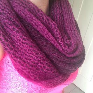 Aritzia scarf plum purple knitted circle style